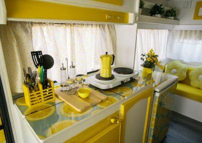 Cocina Caravana Amarillo Limón