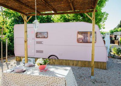 Exterior Caravana Rosa Capricho