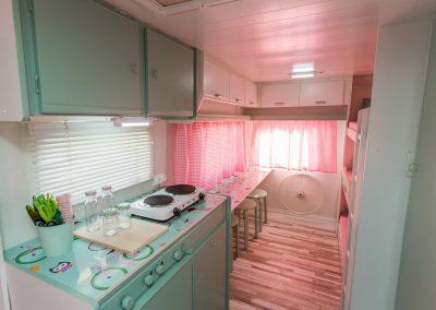 Interior Caravana Verde Albahaca